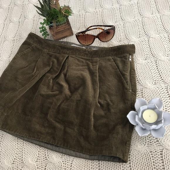 4c6e85bab2 Madewell Dresses & Skirts - {Madewell} Mini Green Corduroy Skirt Pockets Sz  28